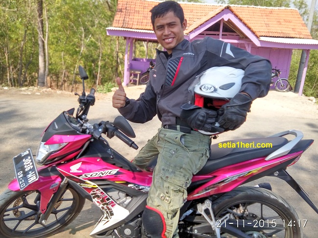 Honda Sonic 150 R warna pinky alias magenta 2015