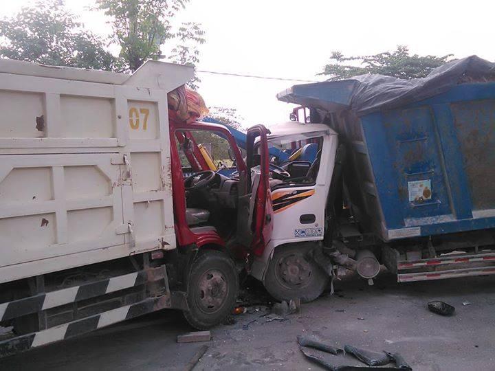 kecelakaan dumptruk di ngawen sedayu gresik tanggal 25 november 2015 (1)