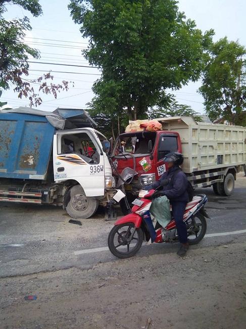 kecelakaan dumptruk di ngawen sedayu gresik tanggal 25 november 2015 (2)