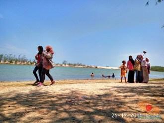 piknik ke pantai pasir putih remen jenu tuban tahun 2015 (4)