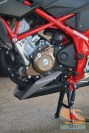 Honda All New CB150R warna livery hitam dan merah (10)