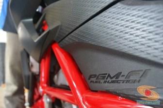 Honda All New CB150R warna livery hitam dan merah (6)