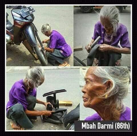 mbah darmi nenek tukang tambal ban dari Kudus Jawa Tengah