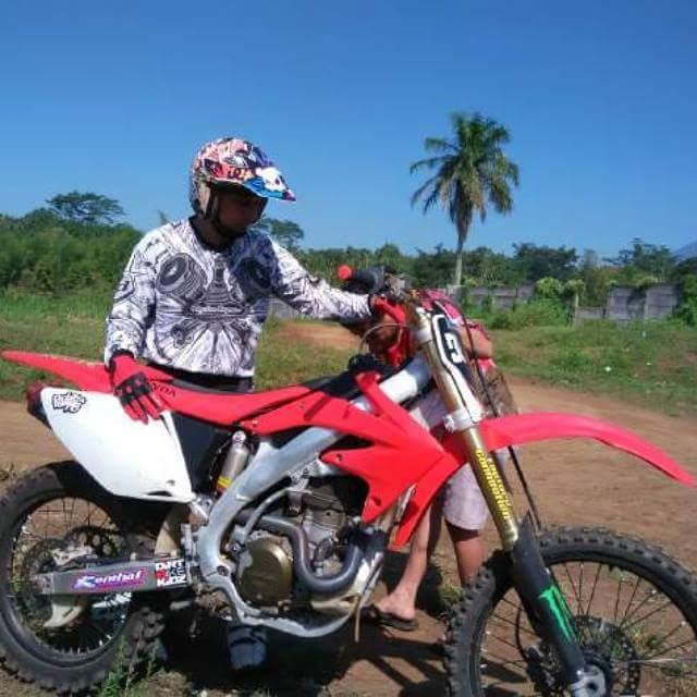 motor trail Honda CRF 450 punya bro Ardian