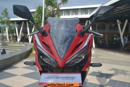 All New CBR150R Racing Red livery 2016 keren dari depan