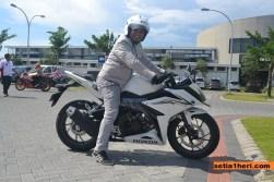 All New CBR150R Revolution White livery 2016 dengan rider mas fariz MPM