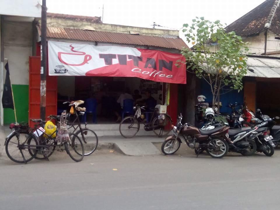 gowes sepeda tua dari Tuban menuju Bandung dalam rangka kongres sepeda tua tahun 2016~03