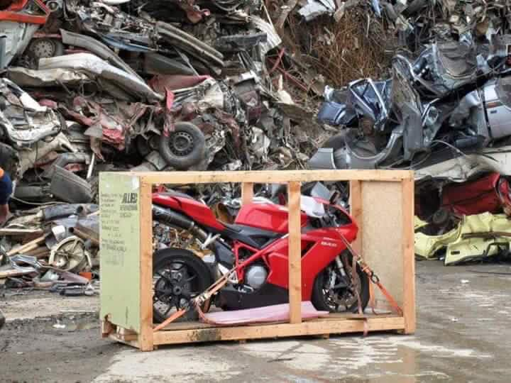 motor ducati superbike 848 evo diremukkan di italia tahun 2016 (1)