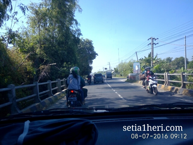 kondisi jalanan mulus Bojonegoro Kalitidu Padangan Ngawi tahun 2016~04