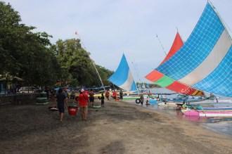 blogger-jatimotoblog-bersih2-pantai-pasir-putih-situbondo-bersama-mpm-honda-jatim-tahun-2016-12