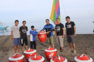 blogger-jatimotoblog-bersih2-pantai-pasir-putih-situbondo-bersama-mpm-honda-jatim-tahun-2016-4