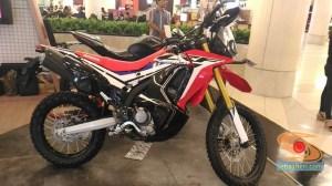 Honda CRF250Rally tahun 2017 (3)