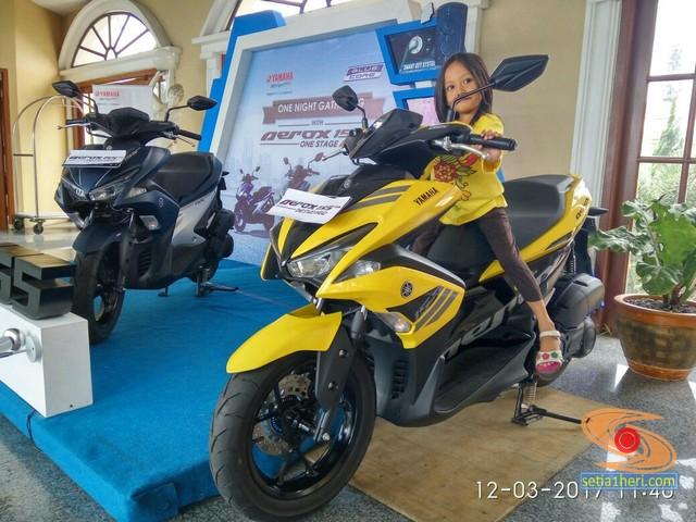 Motor Yamaha Aerox 155 VVA warna kuning