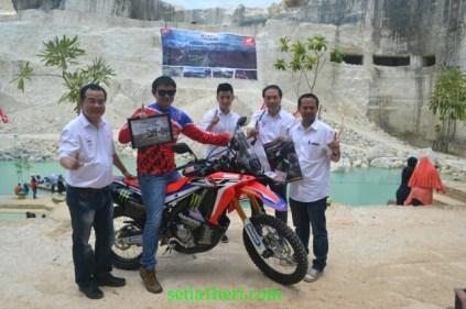 peluncuran honda CRF250Rally tahun 2017 di Bukit Jaddih Madura