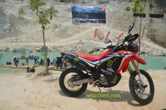 peluncuran honda CRF250Rally tahun 2017 di Bukit Jaddih Madura ~01