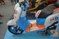 Honda scoopy velg 12 inch tahun 2017 modifikasi playful white blue (11)