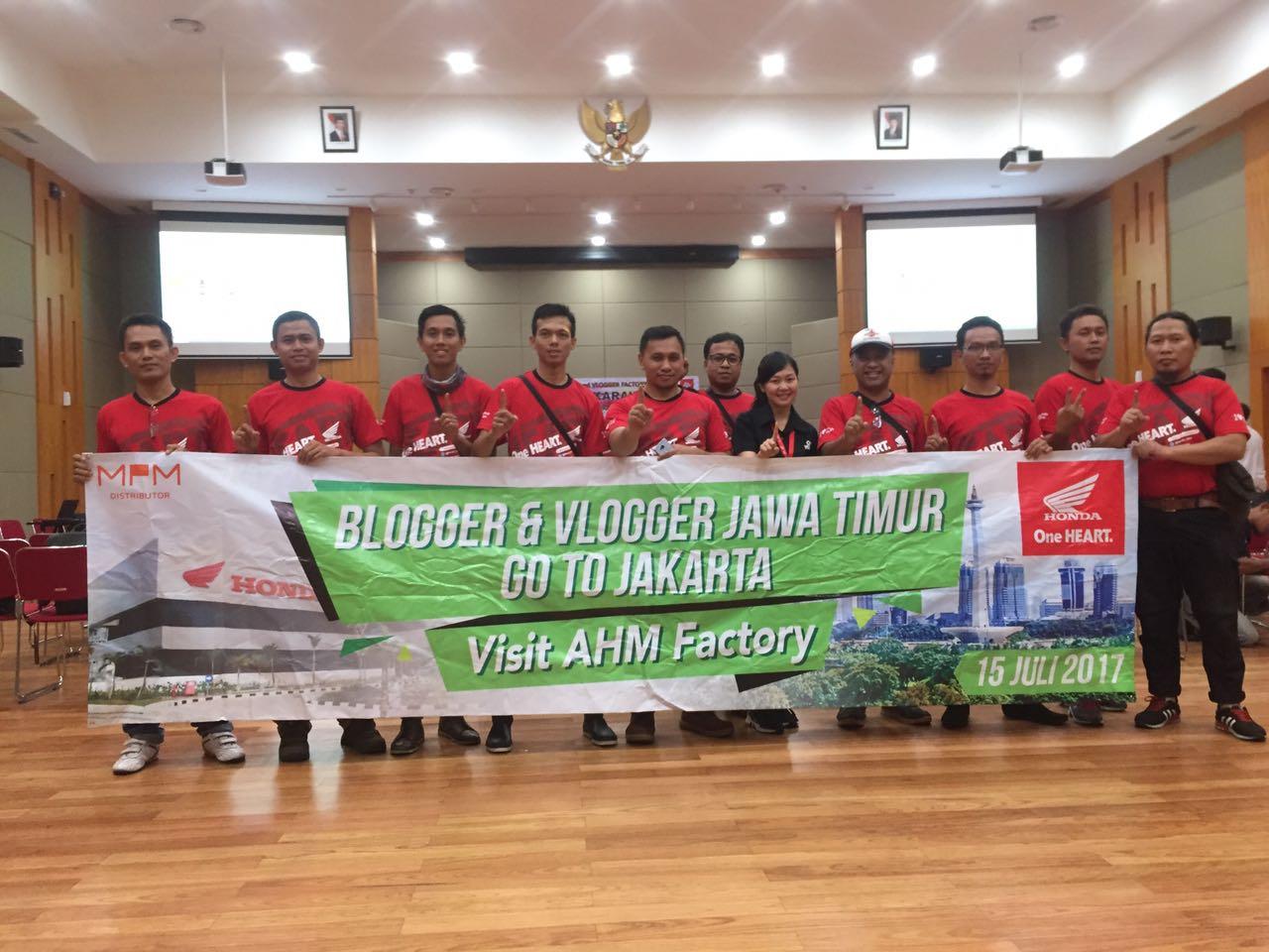 Blogger dan Vlogger Jawa Timur kunjungi pabrik motor Honda di Plant Karawang Juli tahun 2017 (1)