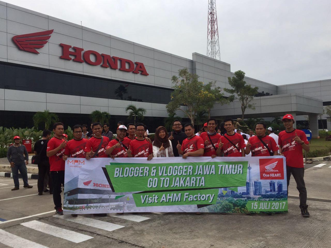 Blogger dan Vlogger Jawa Timur kunjungi pabrik motor Honda di Plant Karawang Juli tahun 2017 (5)