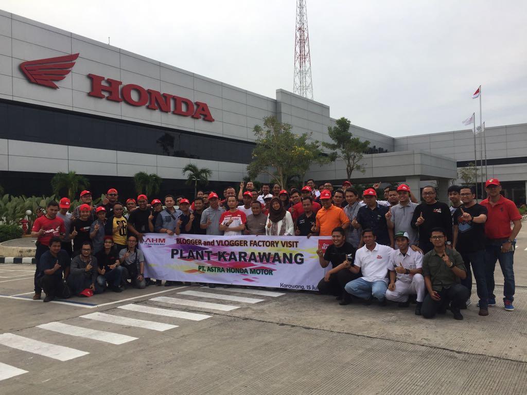 Blogger dan Vlogger se-Indonesia kunjungi pabrik motor Honda di Plant Karawang Juli tahun 2017 (1)
