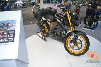 Modifikasi Suzuki GSX S 150 buat biker turing plus sidebox tahun 2017 (1)