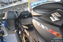 Modifikasi Suzuki GSX S 150 buat biker turing plus sidebox tahun 2017 (8)