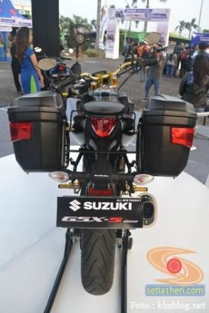 Modifikasi Suzuki GSX S 150 buat biker turing plus sidebox tahun 2017 (9)