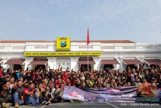 Serunya Honda CB150R StreetFire Konvoi Kemerdekaan 2017 di Kota Surabaya (1)