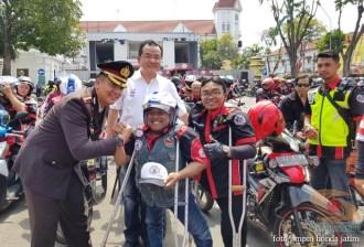 Serunya Honda CB150R StreetFire Konvoi Kemerdekaan 2017 di Kota Surabaya (5)