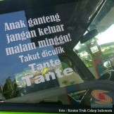 Kumpulan Tulisan lucu di kaca samping truk ....hehehe....gokil 2017 (8)