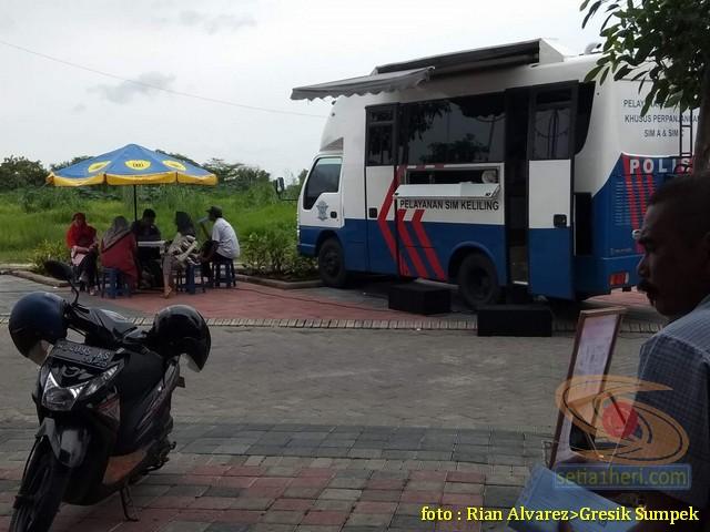 Jadwal SIM Keliling di Bunderan Love GKB Gresik, Jawa Timur tahun 2018