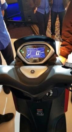Penampakan Yamaha Lexi 125 cc tahun 2018...mirip adiknya NMAX gans.. (9)