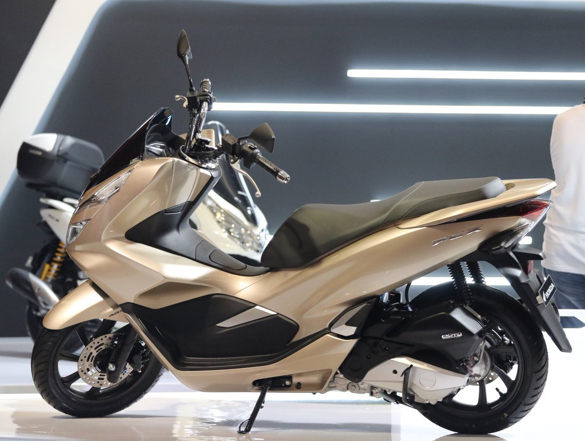 4 Pilihan Warna Honda Pcx 2020 Oto