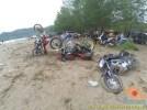 Kumpulan foto unik cara parkir motor Yamaha Vixion di area pasir (15)