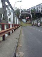 Jembatan Widang, Babat ambrol, ada 3 truk dan 1 sepeda motor terjun ke sungai Bengawan Solo tahun 2018~01
