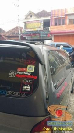 ragam posisi dan letak antena rakom di mobil bagian belakang