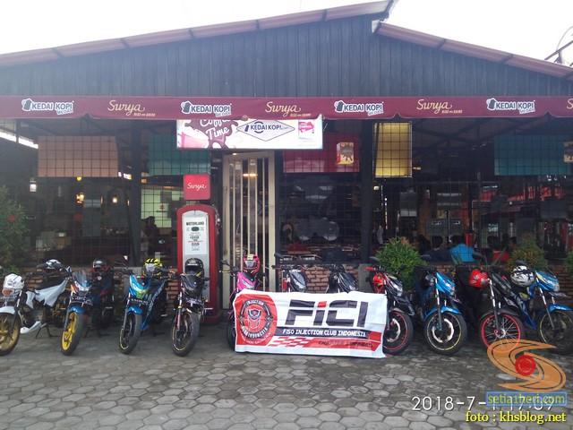 Meriahnya Halal Bihalal Biker Suzuki Jawa Timur dan Nobar Moto GP Assen 2018 (7)