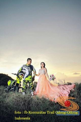 Kumpulan Foto Biker Prewedding Dan Romantisme Pasangan Diatas