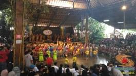 Main angklung di Saung Mang Udjo di Bandung 2019 (4)