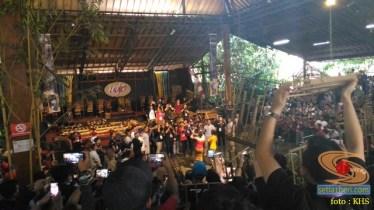 Main angklung di Saung Mang Udjo di Bandung 2019 (7)