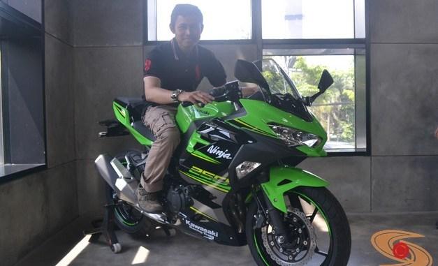 Mengintip Harga Kawasaki Ninja 250 Se Versi Smart Key Alias Kipass