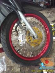 Kumpulan gambar modifikasi sepeda motor pakai piringan cakram besar brosis (11)