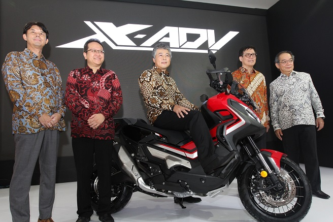 Spesifikasi, pilihan warna dan harga moge adventure Honda X-ADV tahun 2019