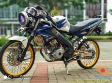 Kumpulan gambar modifikasi Yamaha Vixion Jari-jari bodi coak brosis.. (13)