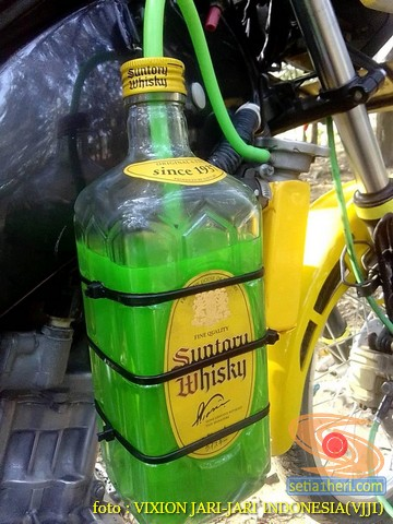 Kumpulan gambar Modifikasi tabung reservoir coolant pada sepeda motor pakai botol parfum gans.. (11)