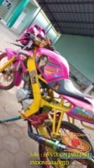 Kumpulan gambar modifikasi Yamaha Vixion warna pink brosis (19)
