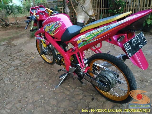 Kumpulan Gambar Modifikasi Yamaha Vixion Warna Pink Brosis