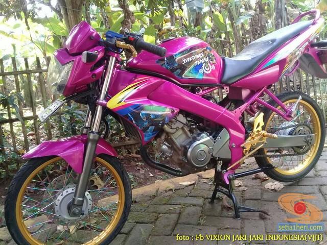 Kumpulan Gambar Modifikasi Yamaha Vixion Warna Pink Brosis 5