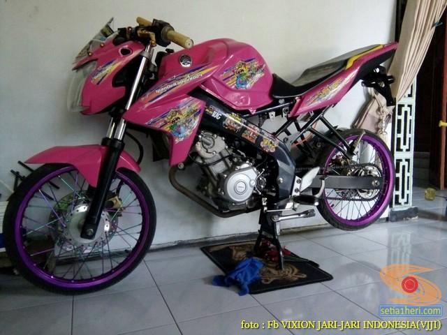 Kumpulan Gambar Modifikasi Yamaha Vixion Warna Pink Brosis 6
