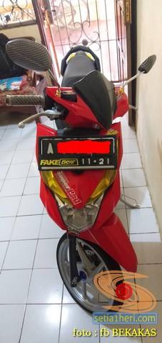 stiker biker fakegl, fakesupra,fakenamx, fakebeat, fakeojek (2)