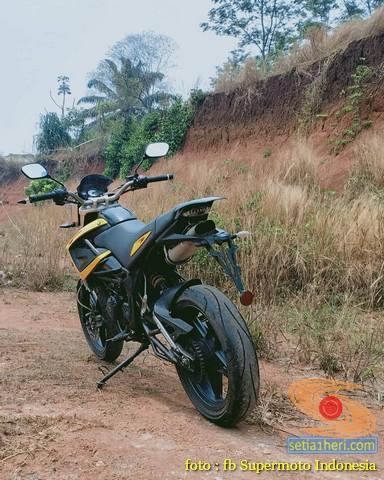 Kumpulan foto bokong motor supermoto…montok abiss gans.. (1)